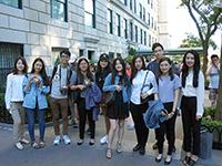 Walking a Mile: Interns visit Manhattan