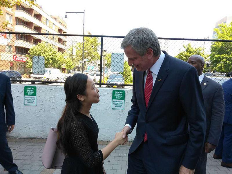 "Saying ""Hi"" to Mayor de Blasio..."